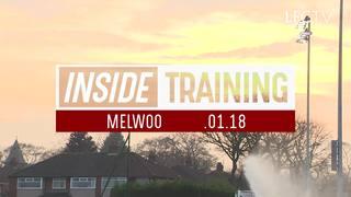 Inside Training: เพื่อนๆ ทีมลิเวอร์พูลต้อนรับเอ็มเร ชาน ในการซ้อมเช้านี้ พร้อมกอดสุขสันต์วันเกิด