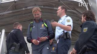นักเตะลิเวอร์พูลเดินทางถึงเยอรมนี