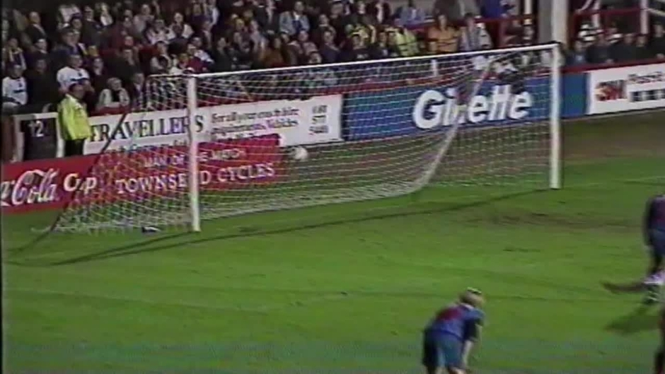 Click here to watch the 95/96 | Brentford 2-3 Bolton - 03.10.95 video