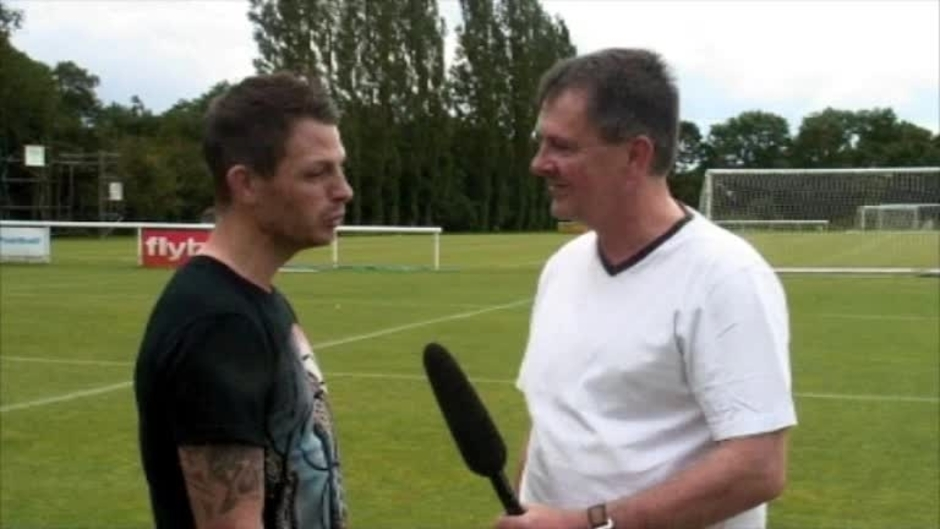 Click here to watch the VIDEO: Jamie Cureton Interview video