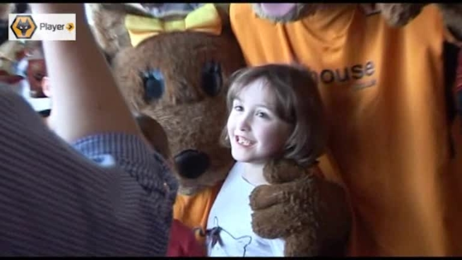 Click here to watch the Young Wolves At Nandos: Video video