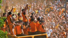 Champions Bus Parade in 115 seconds