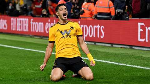 Jiménez sends Molineux into rapture!