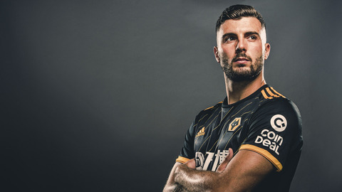 WELCOME TO WOLVES PATRICK CUTRONE! Behind the scenes of the Italian's first day