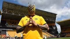 WWE superstar Sin Cara visits Molineux for Fulham win