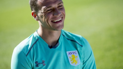 Villa in Portugal: James Chester