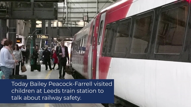 LEEDS TRAIN STATION VISIT | BAILEY PEACOCK-FARRELL