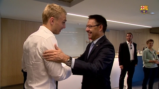 Jasper Cillessen's first day at FC Barcelona in 100 seconds