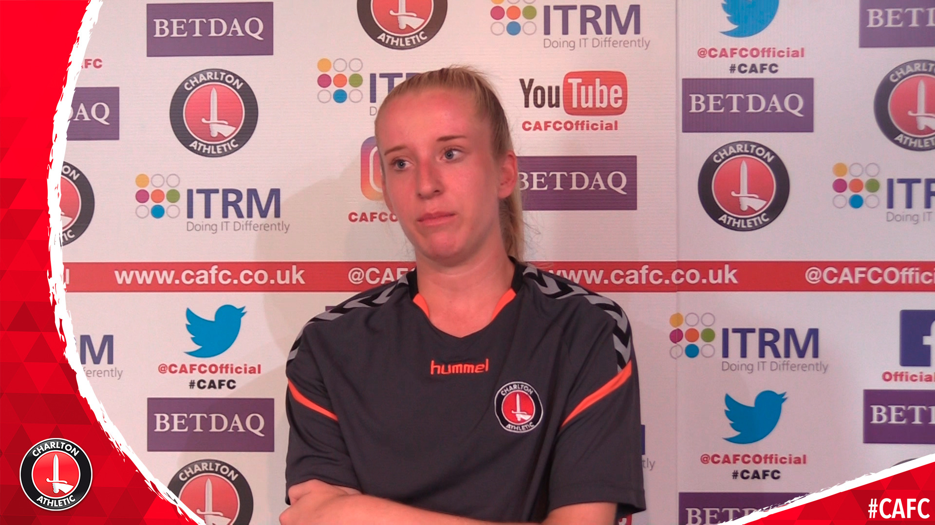 Amelia Ritchie signs for Charlton women