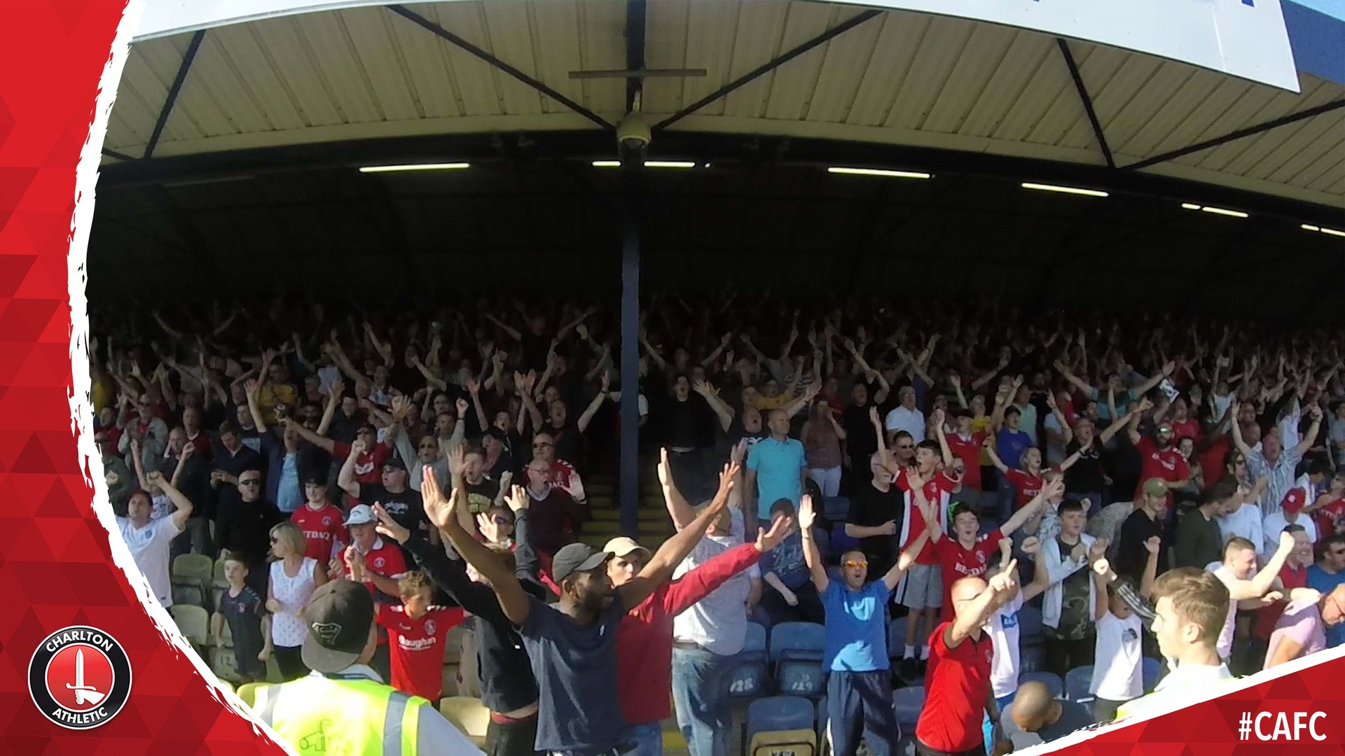 FAN CAM | Charlton fans celebrate Taylor and Bielik goals at Southend