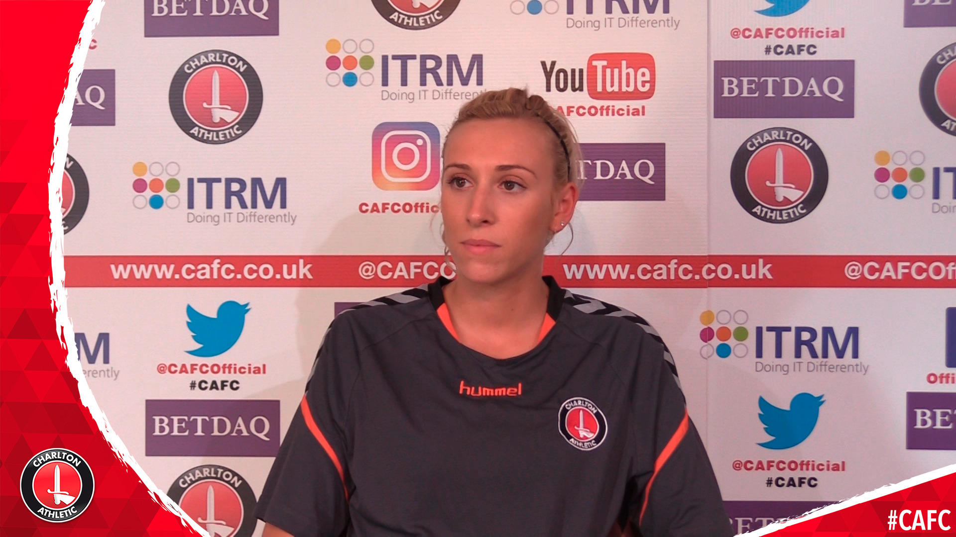 Charlotte Kerr signs for Charlton women