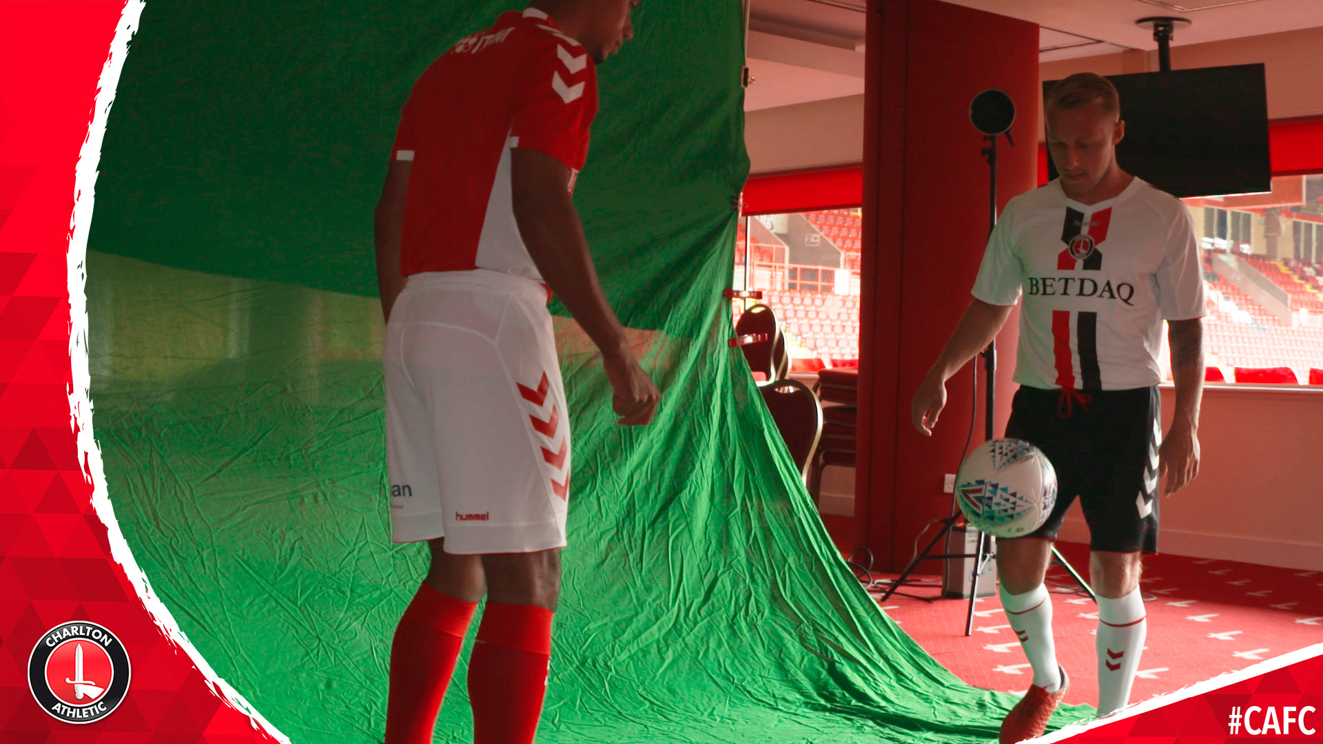 BEHIND THE SCENES | Kit photoshoot 2018/19