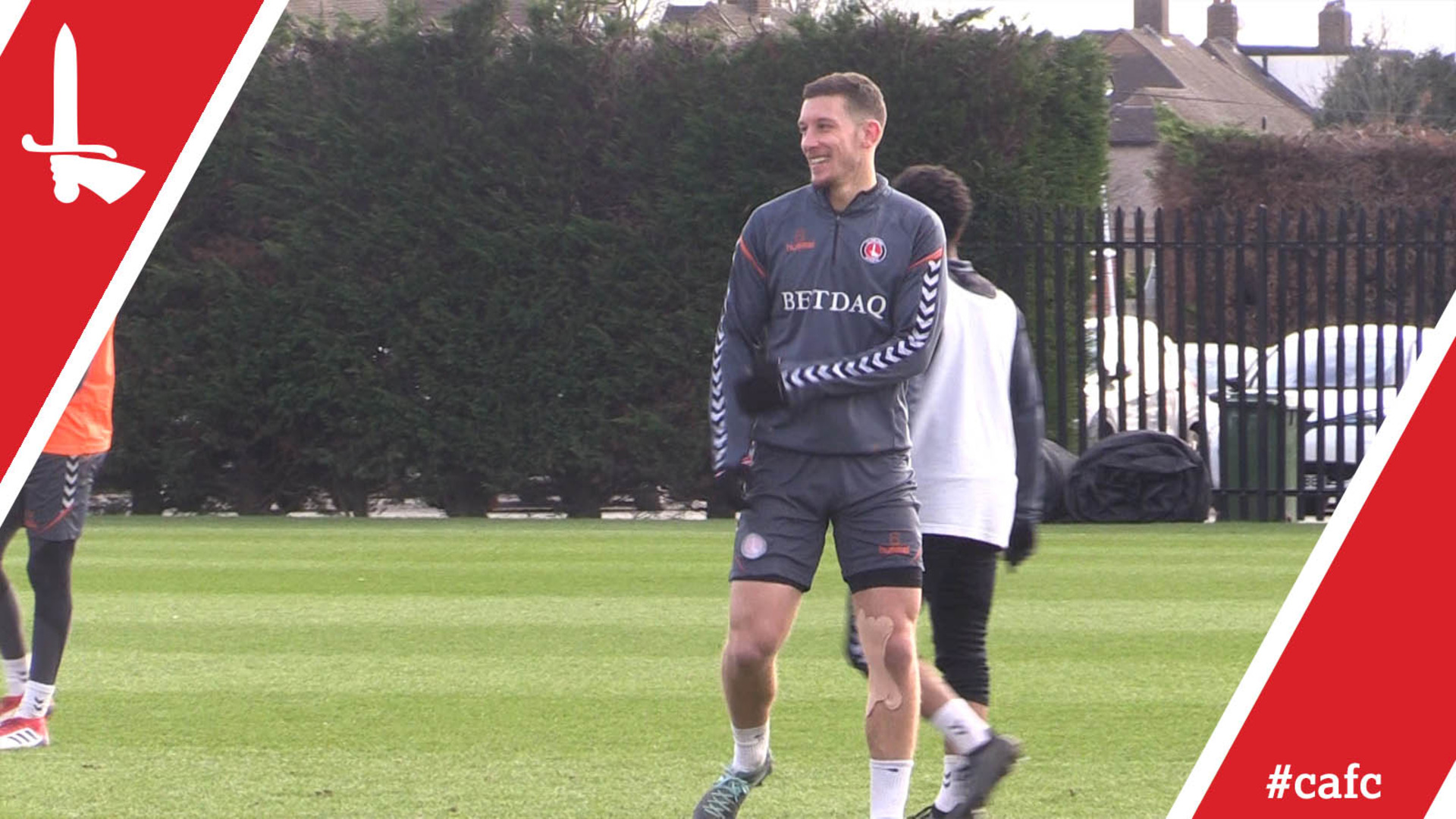 Jason Pearce returns to full training | Behind the Scenes at the Training Ground (08/02/18)