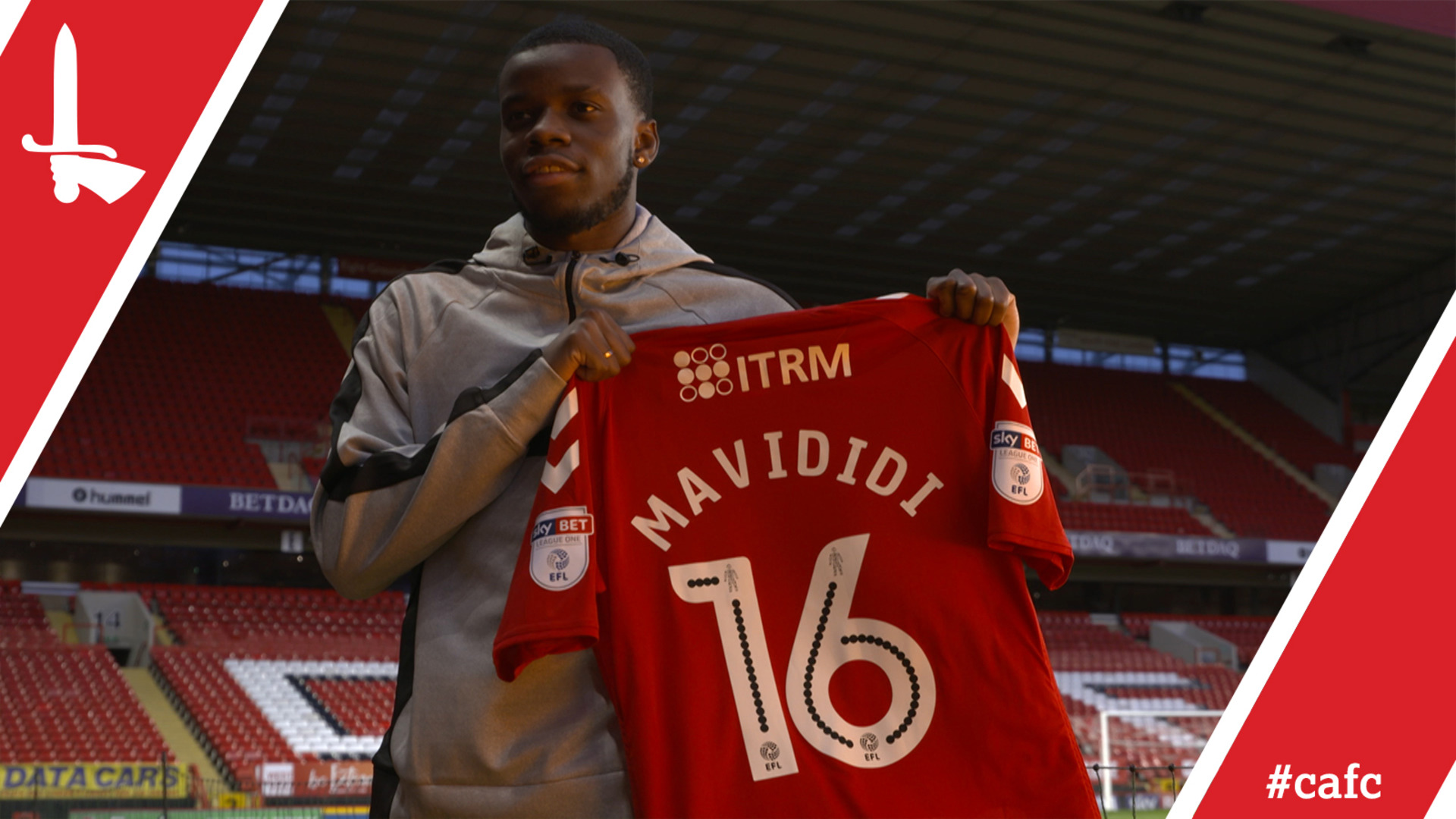 Stephy Mavididi signs for Charlton