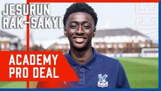 Jesurun Rak-Sakyi Signs His Professional Contract | Crystal Palace