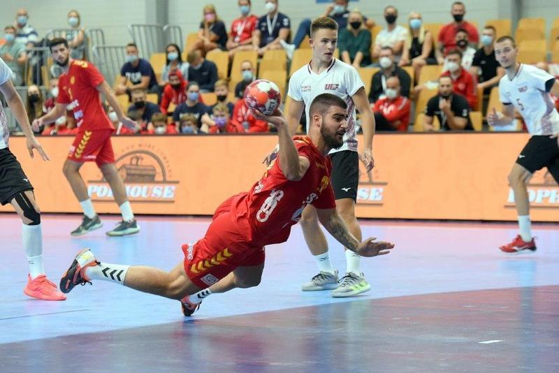 Semi-finals: Montenegro v Latvia