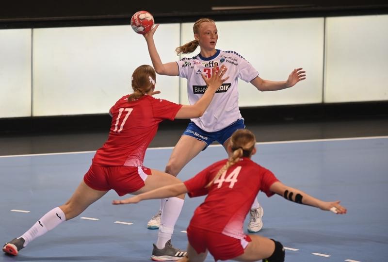 Semi-finals: Faroe Islands v Poland