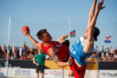 Semi-finals: Denmark v Russia