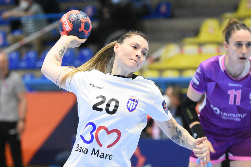 Semi-finals: Nantes Atlantique Handball v CS Minaur Baia Mare